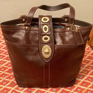 ✨ HP ✨ EUC RARE Coach Legacy Leather Bag -F13757